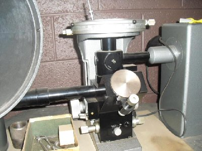 LIETZ MODEL MH HORIZONTAL METALLOGRAPHIC MICROSCOPE EQUIPPED WITH 4 LENES