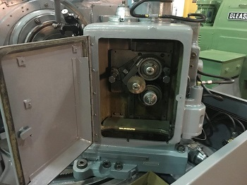 GLEASON NO. 106 GEAR GENERATOR *FROM AIRCRAFT*